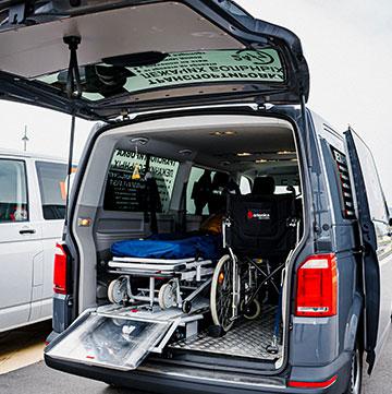 Оборудованное авто для перевозки больных
